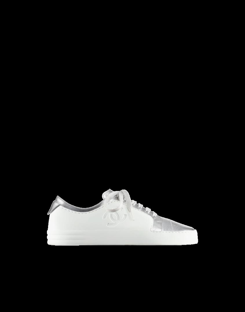 3a1eb68fe481 Обувь выполнена из натуральной кожи в сочетании с бархатом. Присутствуют  также трикотажные вставки. Сбоку изделия декорированы фирменным логотипом  Chanel ...