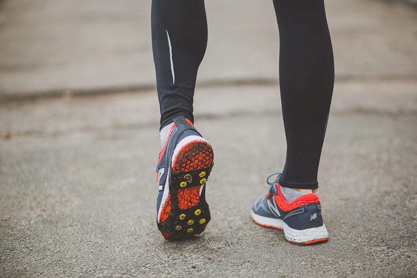 d27f4c49 В таких кроссовках могут быть установлены дополнительные амортизаторы по  центру стопы для более легкого ...
