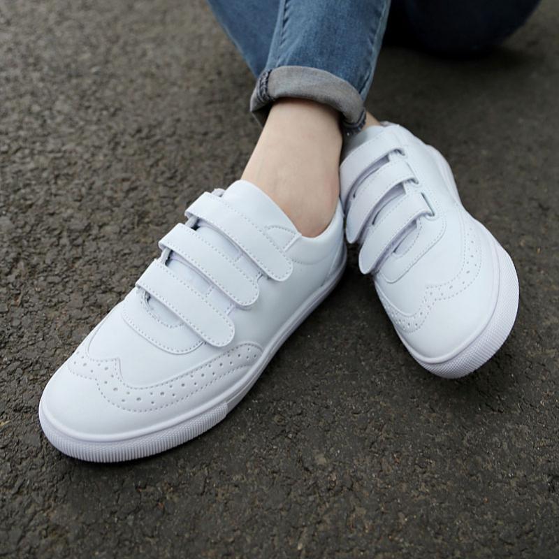 66e7932cd192 В кроссовках на липучках главным приоритетом становится комфорт обладателя.  Такая модель плотно садится по ноге и не будет напрягать вас с завязыванием  ...