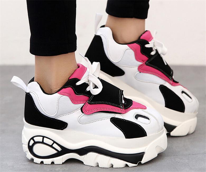 f2109f4e8 После длительных прогулок в кроссовках на высокой подошве ноги не будут  подвержены болезненным ощущениям. Эта обувь не только комфортная, но и  модная!