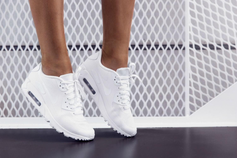 Кроссовки на высокой подошве (33 фото)  как называются, модные тенденции,  белые, черные 9b4f39762df
