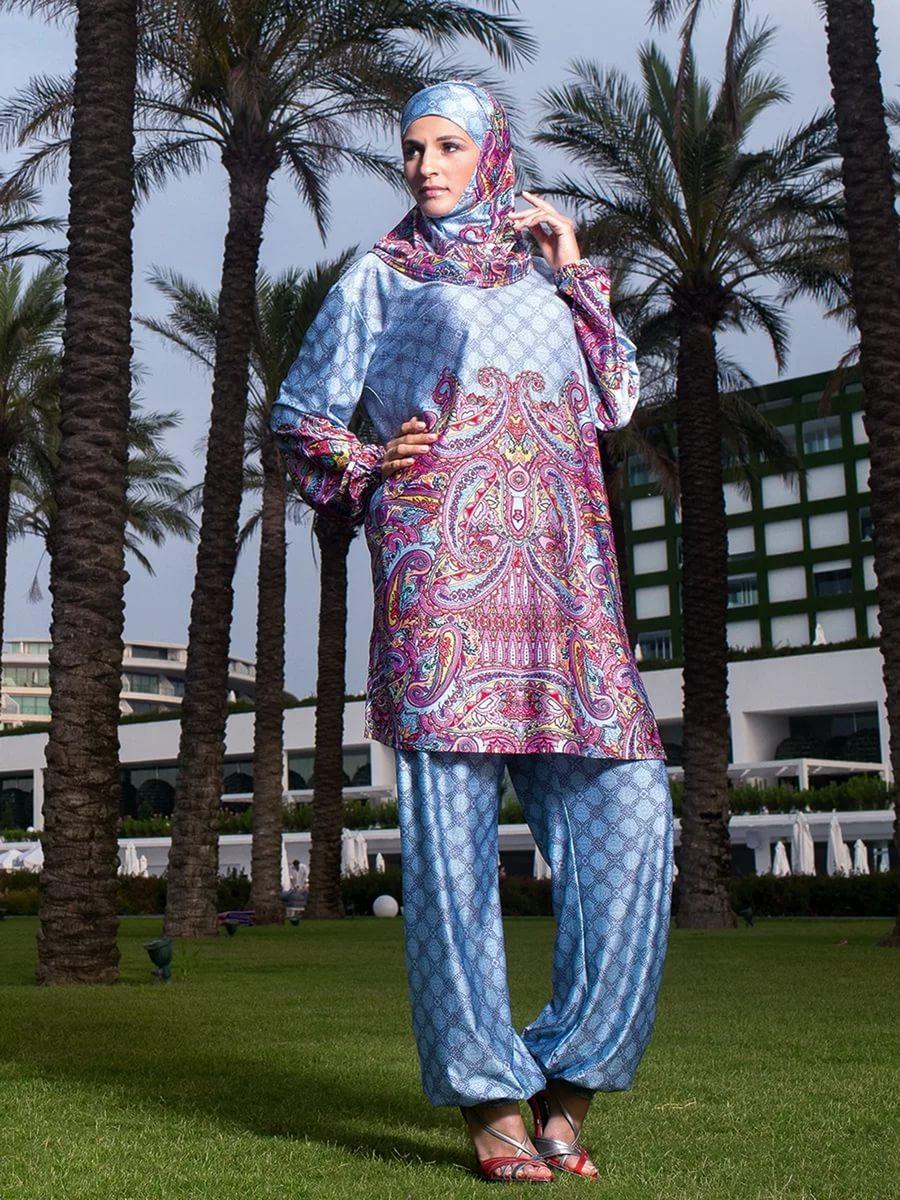 07e9ceb3f39c7 Классический комплект закрытого купальника для мусульманок выглядит как  слитные элементы ткани, складывающиеся в весьма привлекательную модель.