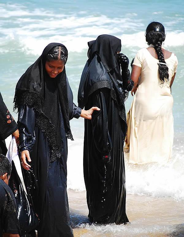 Буркини – закрытый мусульманский купальник