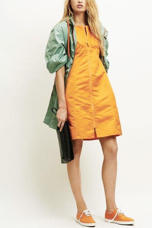 Зеленое платье облегающее платье 39