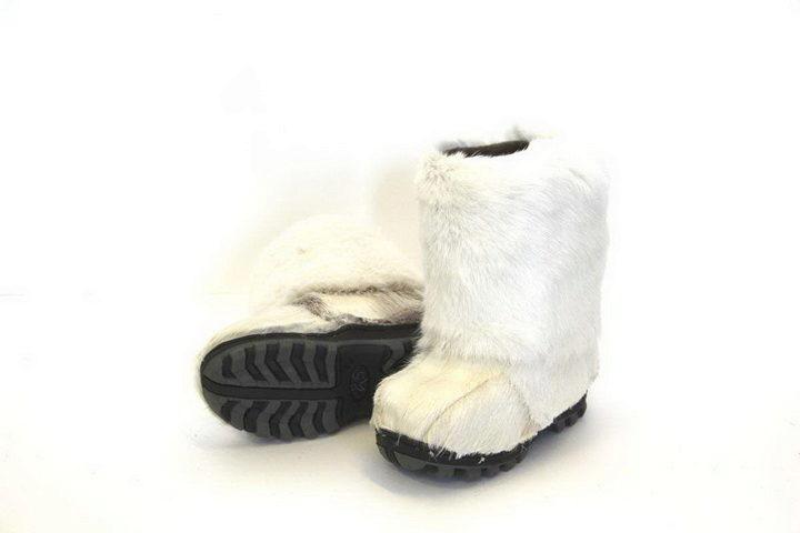 f5714be1c ТОРБАСА (торбаза) – преимущественно якутский вид обуви, сшитой мехом  наружу. Сапоги изготовлены из натуральной кожи и сукна с утеплителем –  подкладом из ...