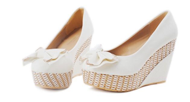 Белые туфли для девочки (50 фото)  детские модели на каблуках праздничные и  повседневные 35 размера cb979c86363