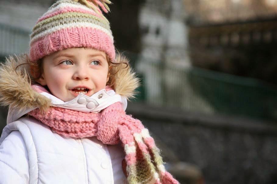 Детский вязаный шарф (39 фото): модные модели для ребенка, как украсить шарф-воротник,  детские модели с помпонами