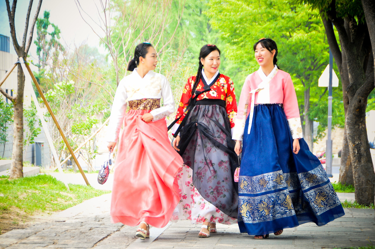 clothing and costumes in a korean Hanbok, the cultural clothing of korea, was established as a part of the unique living culture of korea, influenced by the geographical and climatic nature of the korean peninsula, and handed down throughout the years to present timeshanbok is also referred to as korean traditional clothing or folk clothing.