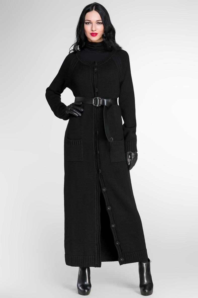 a5a9b7837f4 На сегодняшний день почти все известные бренды уже включили длинное пальто в  свои коллекции. Классический вариант такой модели представляется по-новому.