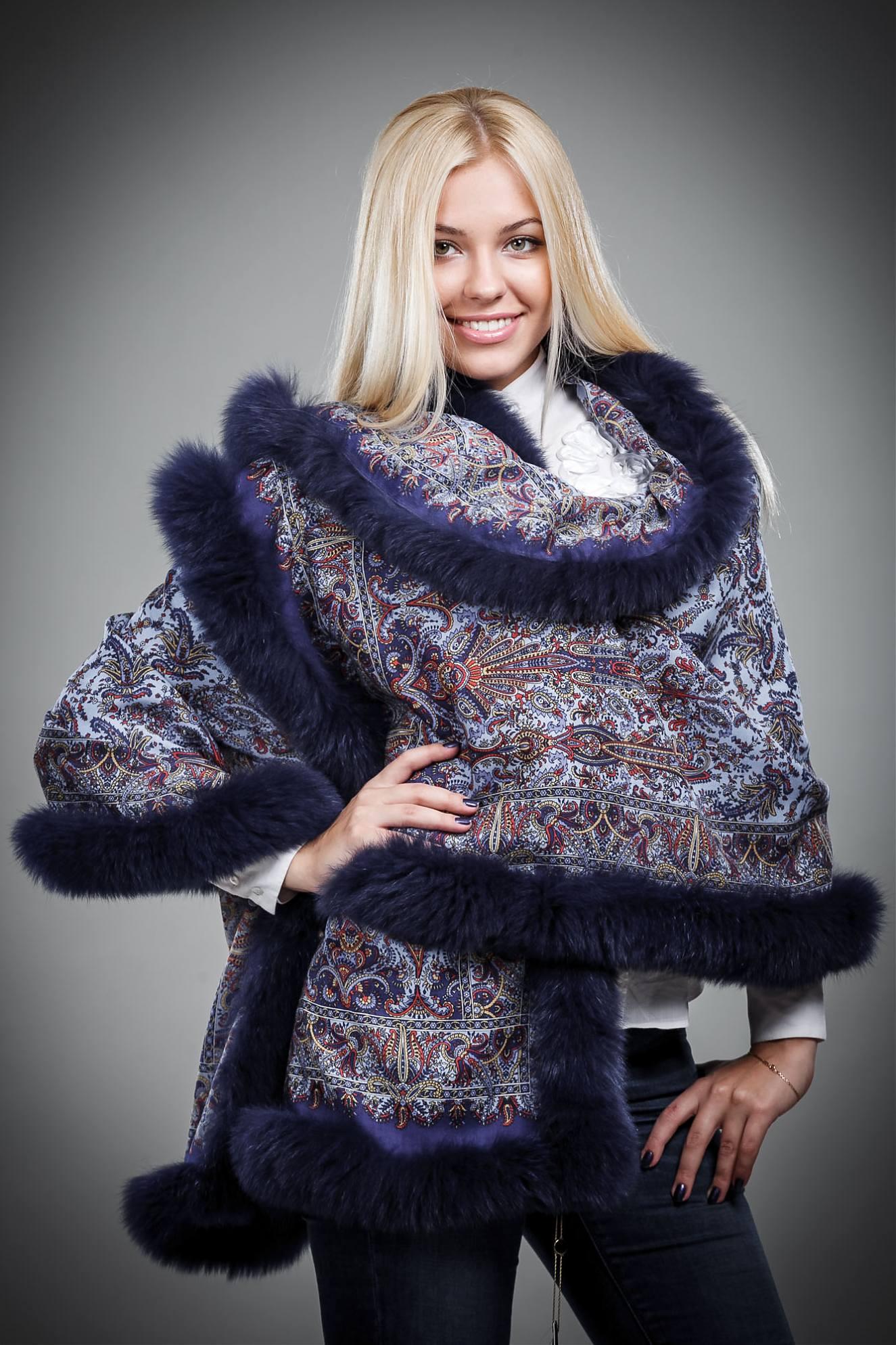 завязать павлопосадский платок поверх пальто