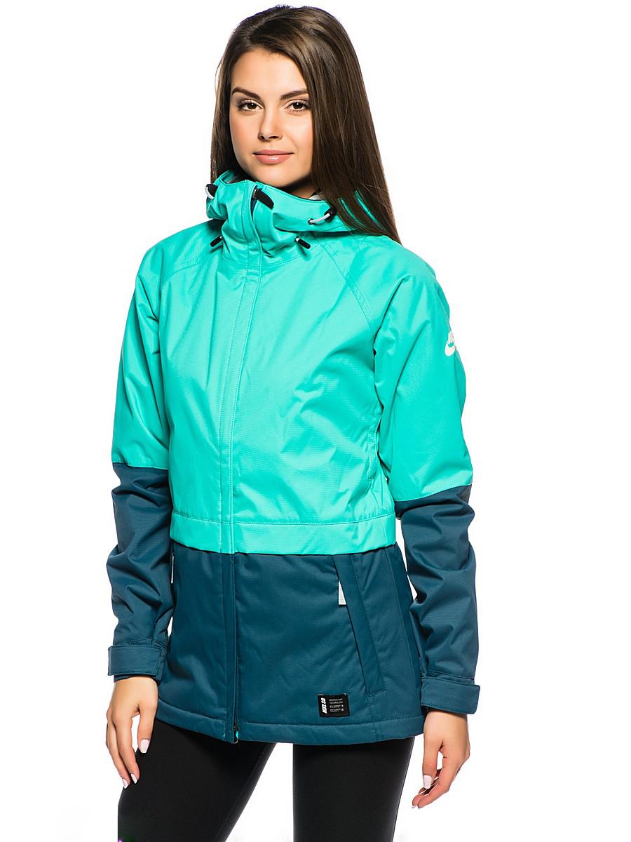 d8726a53 Совсем недавно Nike выпустили линейку курток-парок lifestyle. Линейка  выполнена в очень модном последние сезоны цвете хаки и представляет собой  парки ...