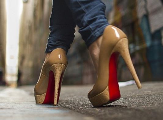 фото туфель на платформе и шпильке
