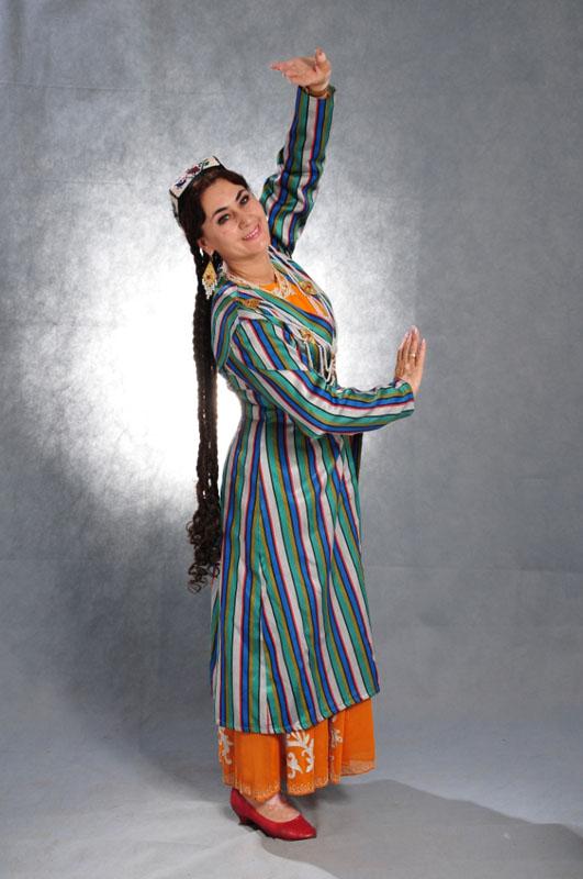 Национальное женское узбекское платье