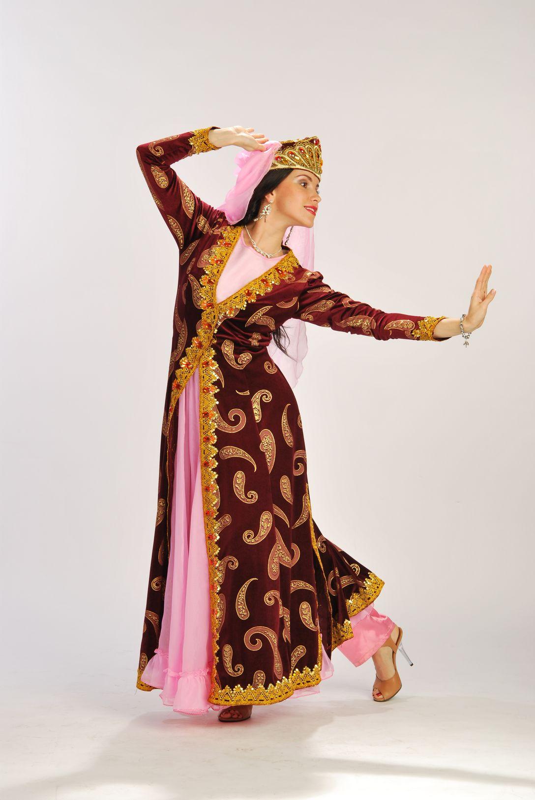Фото девушки в узбекском национальных костюмах