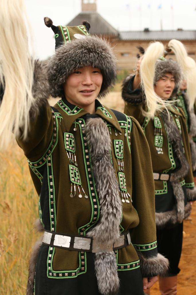 yakutskij-nacionalnyj-kostyum-32.jpg