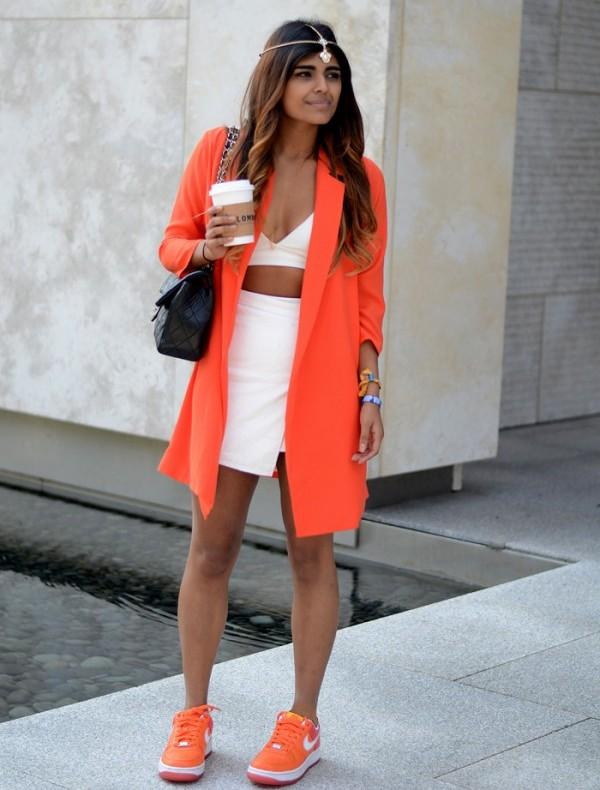 Оранжевые кроссовки с чем носить