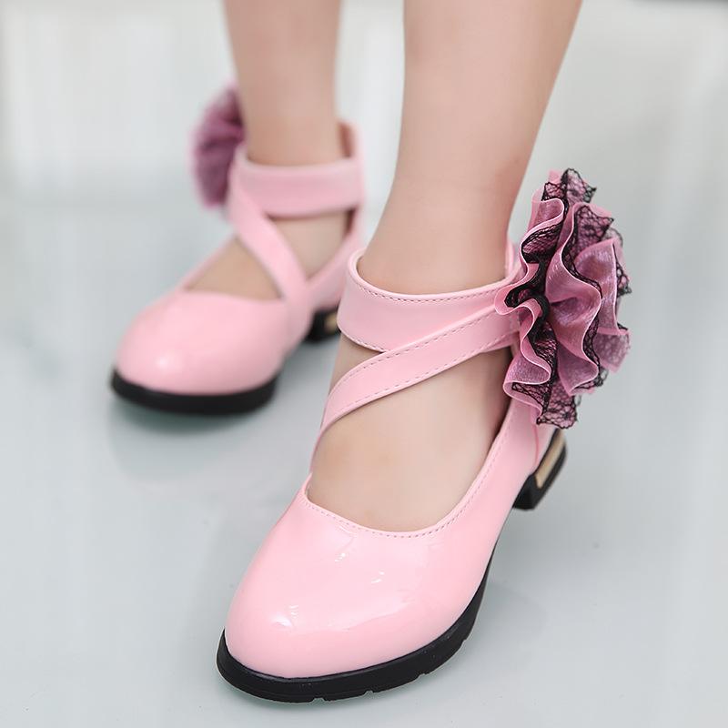 Картинки по запросу детские туфли на ноге