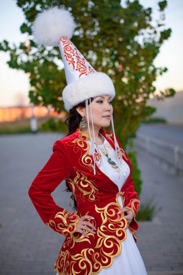 Казахский национальная платья
