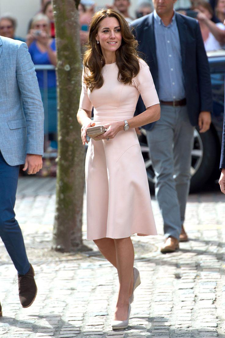 c43a56a5dee Туфли к розовому платью (57 фото)  какие цвета и модели подойдут к ...