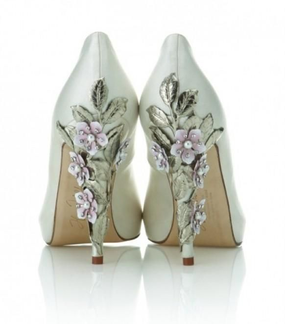 Цветы в виде туфельки