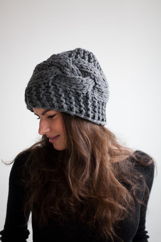 Вязание крупными спицами шапка 4