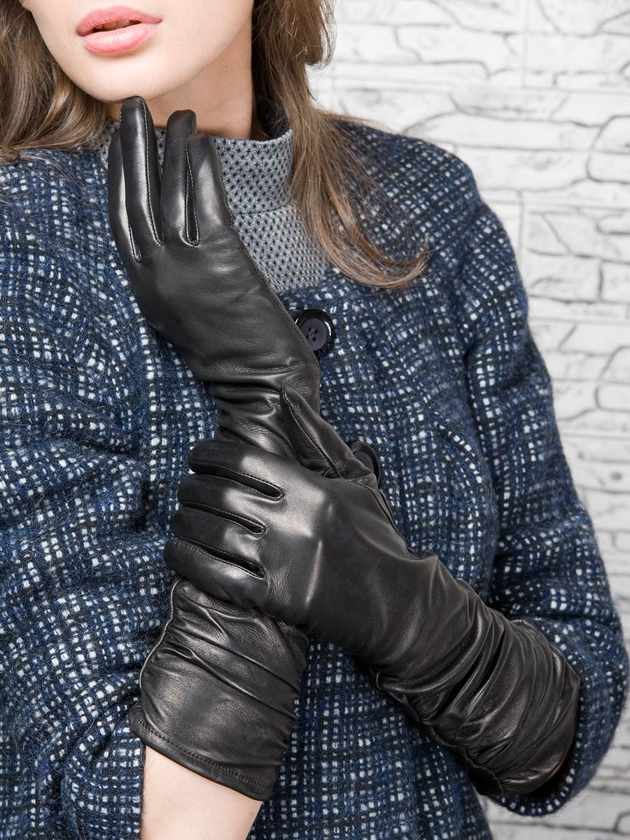 Красотки в кожаных перчатках фото