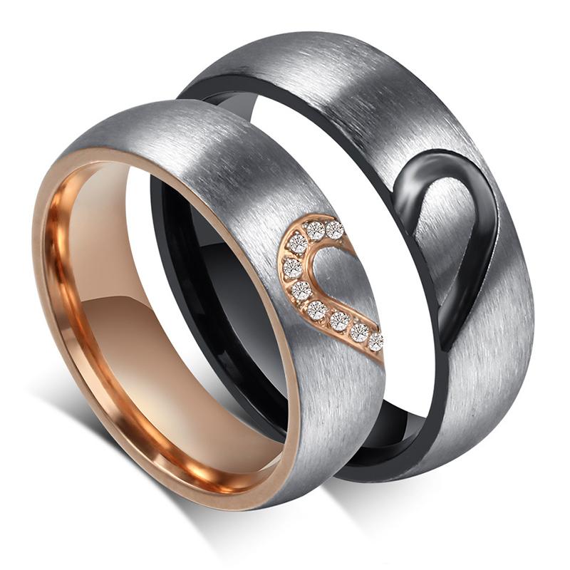 bebee7038885 Судя по отзывам, молодые люди все чаще выбирают титановые обручальные  изделия. Связанно это и с древним поверьем о том, какие кольца, такой и  брак.