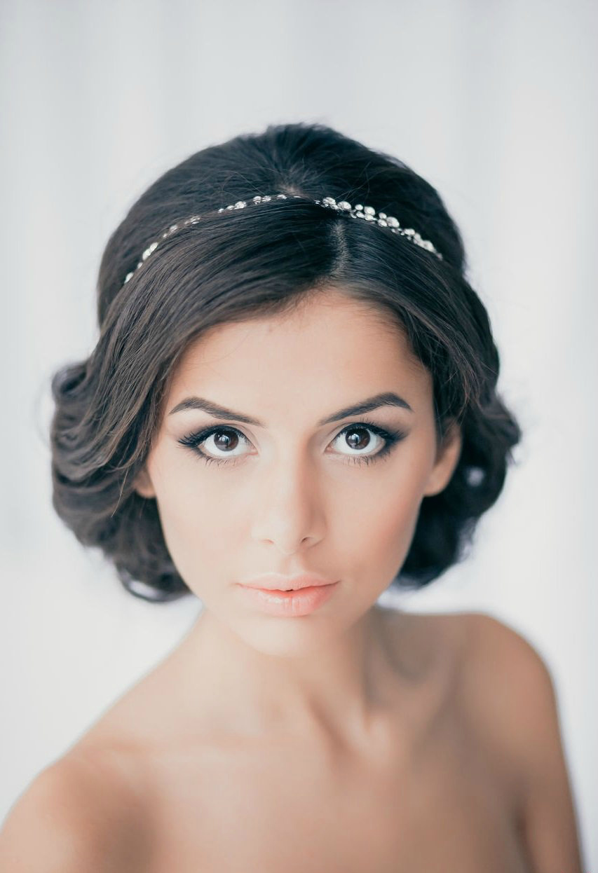 Фото причесок в греческом стиле на короткий волос
