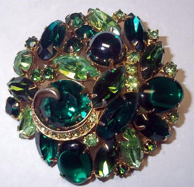 Как сделать зелёный камень 311