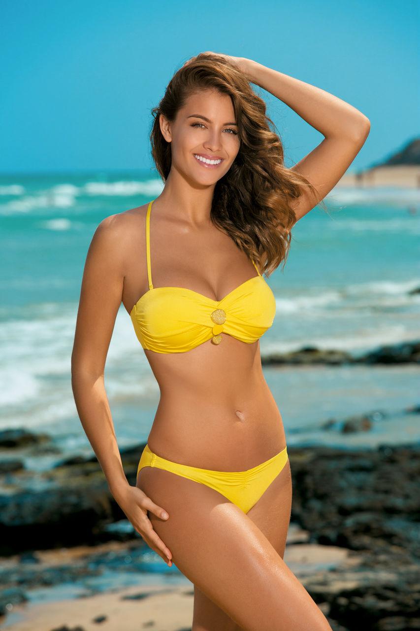 жёлтый купальник фото