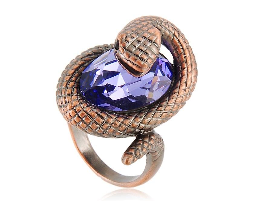 перстень со знаком змеи