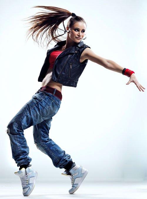 25b0da9e744b ... в Америке, в латинских кварталах и успешно перекочевал в среду  музыкантов и танцоров. Немного позже он стал частью молодежной субкультуры  хип-хоп, ...