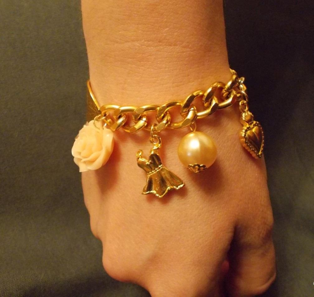 Ювелирные изделия: cерьги, кольца, браслеты, цепочки из