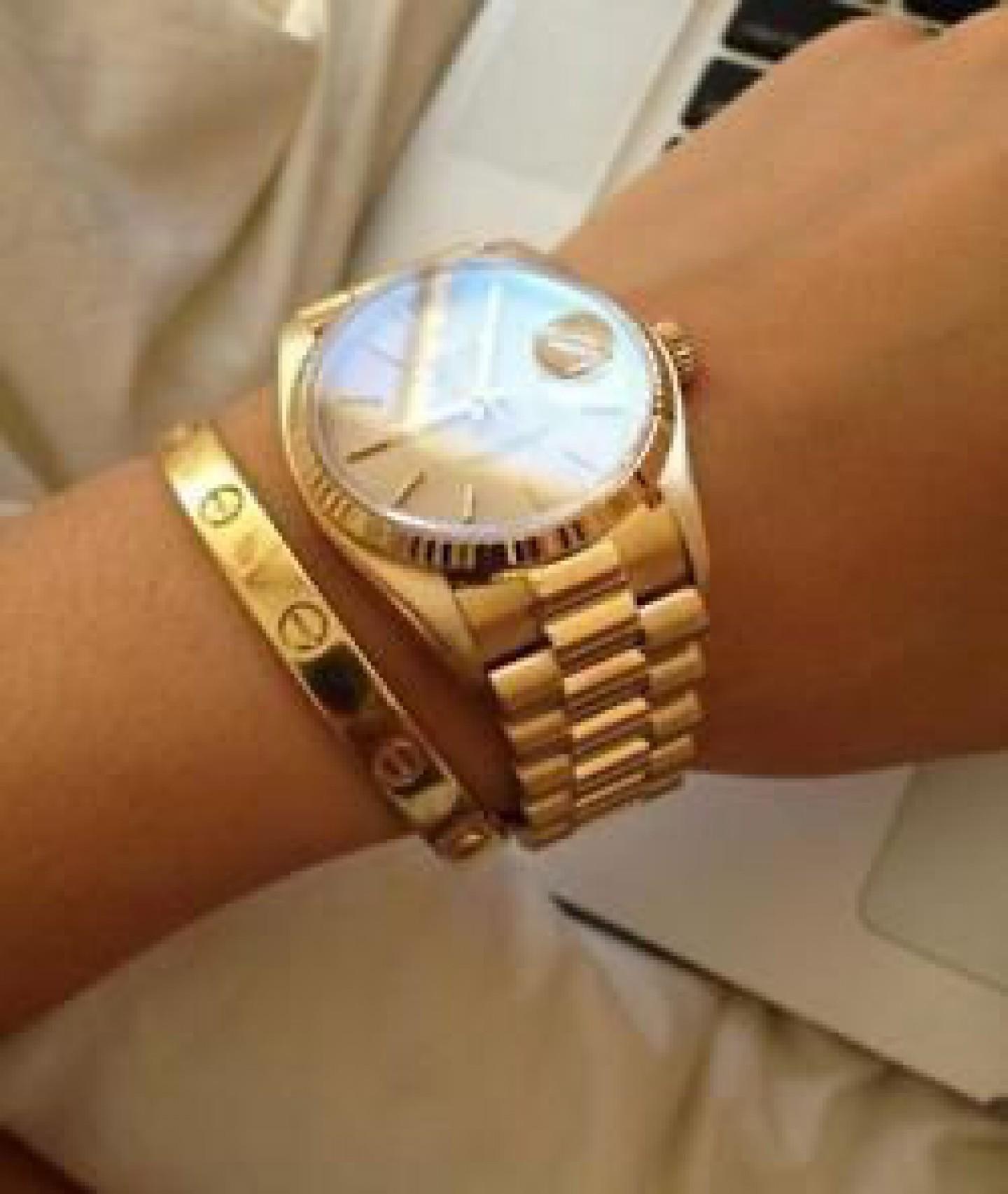 e3882f770f3e ... но и в наше время он способен стать показателем высокого статуса – если  речь идет, к примеру, о женских золотых часах с золотым браслетом.