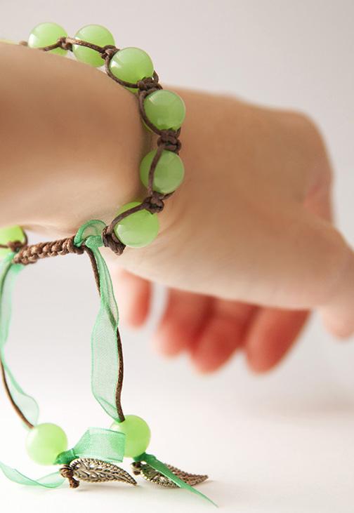Как сделать своими руками браслет с подвесками 74