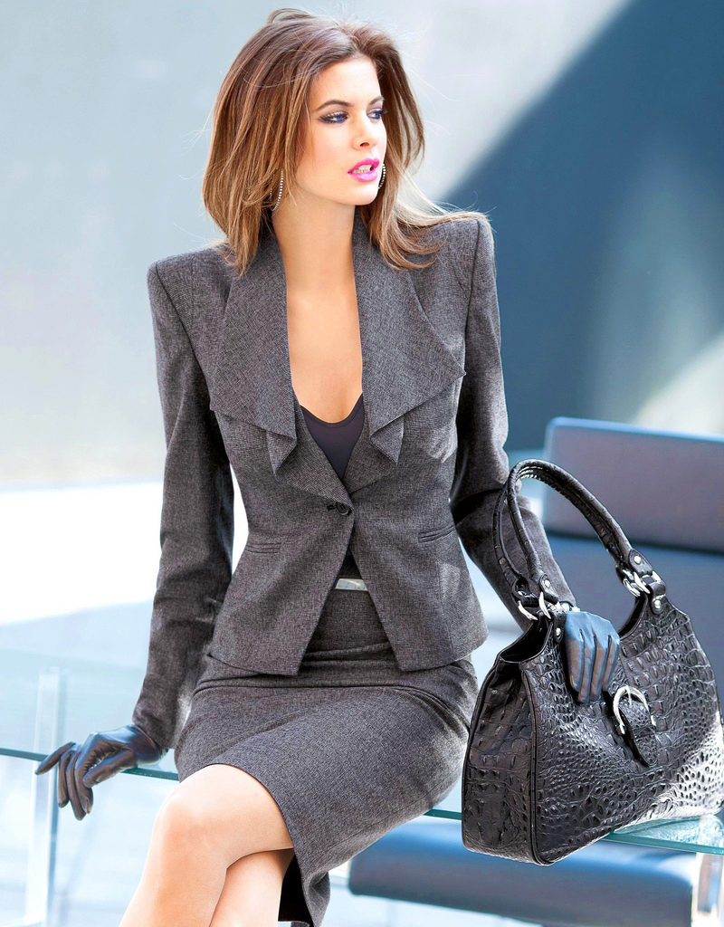 sexy-women-in-suits