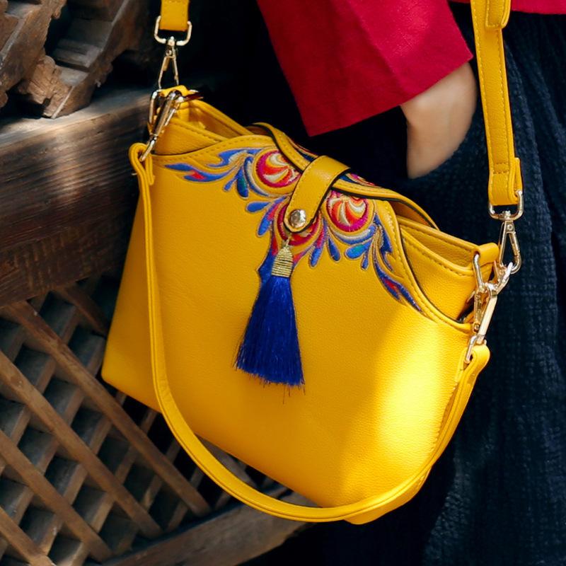 b68050015932 В таком случае, следует подробнее ознакомиться с кожаными сумками ручной  работы и обратить на них более пристальное внимание.