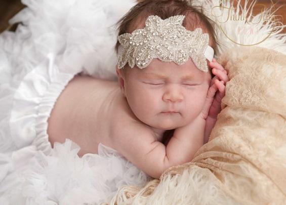 povyazki-na-golovu-dlya-novorozhdennyh-devochek-1 Повязка на голову: красивые украшения для девочек своими руками