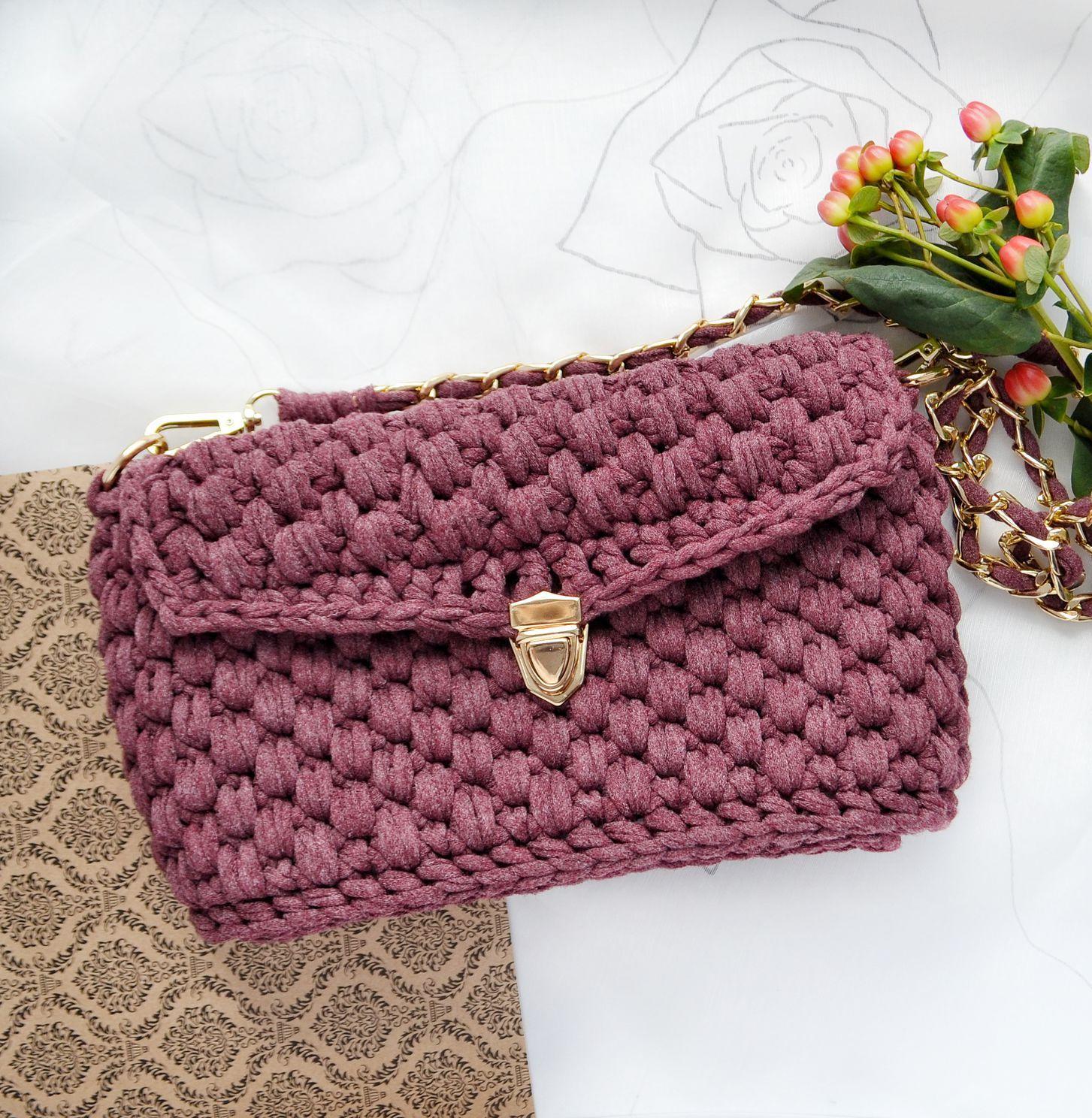 4019b47399db Причем необязательно отдавать за сумочку из популярной ленточной нити много  денег, ее можно сделать самостоятельно, не прикладывая к этому практически  ...