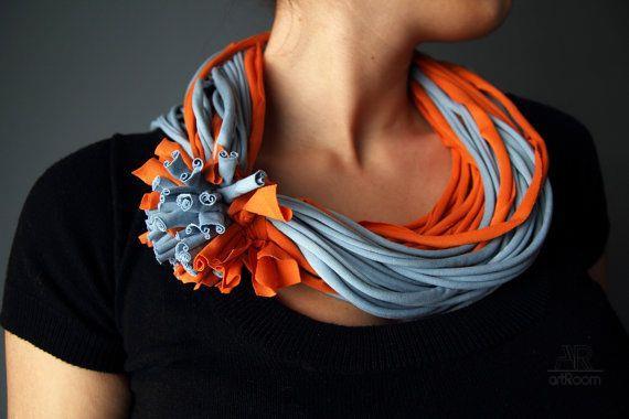 chto-mozhno-sdelat-iz-staroj-futbolki Что можно сделать из старой футболки (107 фото): переделка своими руками в коврики, модный топ и трикотажную пряжу, шарф и сумку, купальник