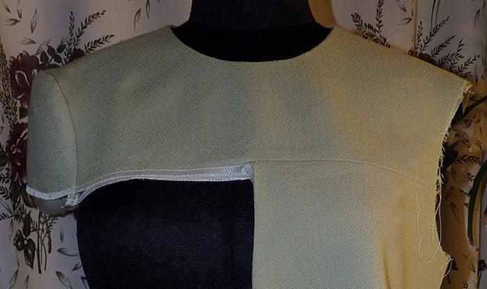 dad4e8e24a0 Блузка с воланами на плечах выкройка (38 фото)  как сшить модель с ...