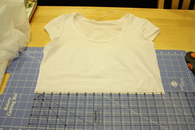Из двух футболок одна своими руками 894
