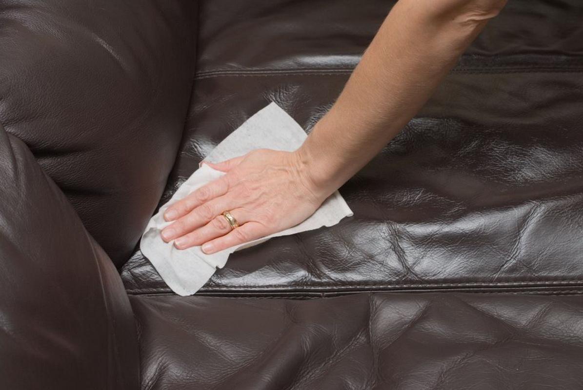 Как отмыть фломастер с кожаного дивана