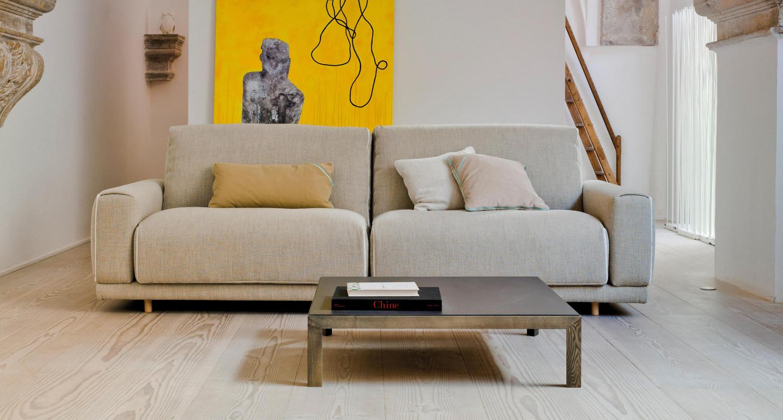 Как почистить диван из ткани от пятен и грязи в домашних 89