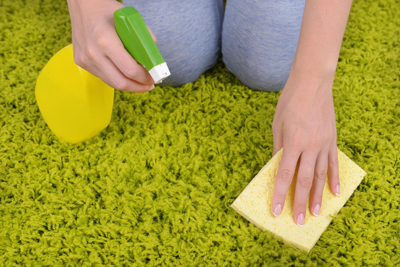 Как уксусом почистить ковры в домашних условиях 129