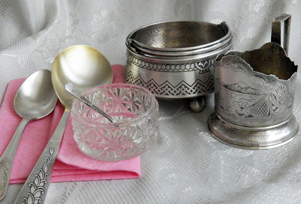 Чистить столовое серебро в домашних условиях 447