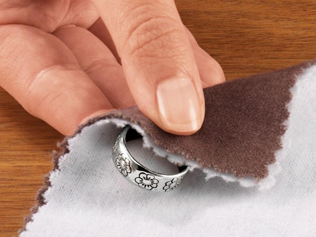 Как чистить серебро содой