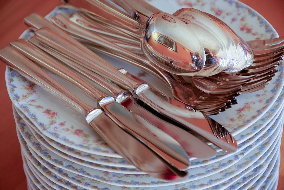 Как очистить вилки и ложки от жира