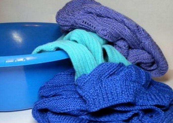 как стирать вязаные вещи 11 фото как выстирать свитер и шапку в