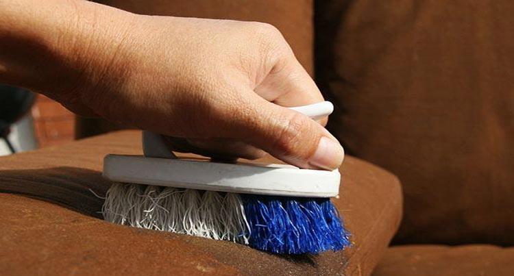 Как почистить кожзам в домашних условиях 595
